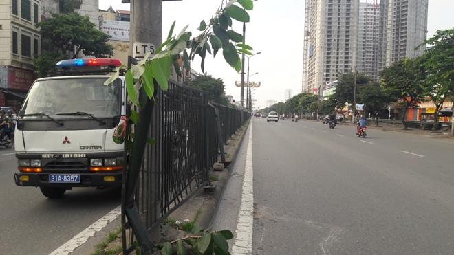 CSGT Thủ đô dọn sạch đường phố giúp người dân lưu thông an toàn từ mờ sáng - Ảnh minh hoạ 7