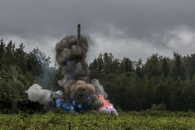 Một tên lửa hành trình Nga được phóng đi trong cuộc tập trận Zapad-2017. Ảnh: EPA