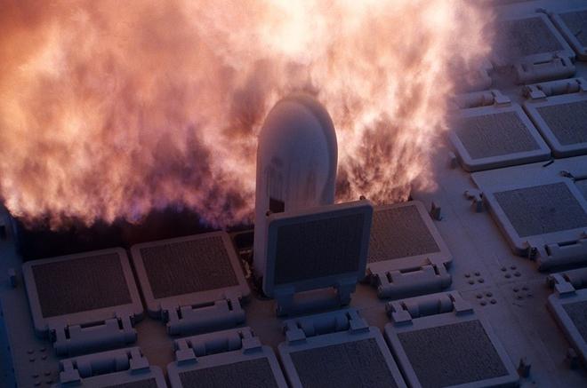 Tên lửa Tomahawk của Nga được phóng đi từ tàu chiến. Ảnh: ITN