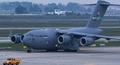 'Ngựa thồ' C-17 Globemaster III chuyên chở đồ cho ông Trump hạ cánh ở Hà Nội