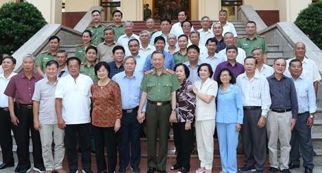 Bộ trưởng Tô Lâm gặp mặt Đoàn CLB Công an hưu trí TP Hồ Chí Minh