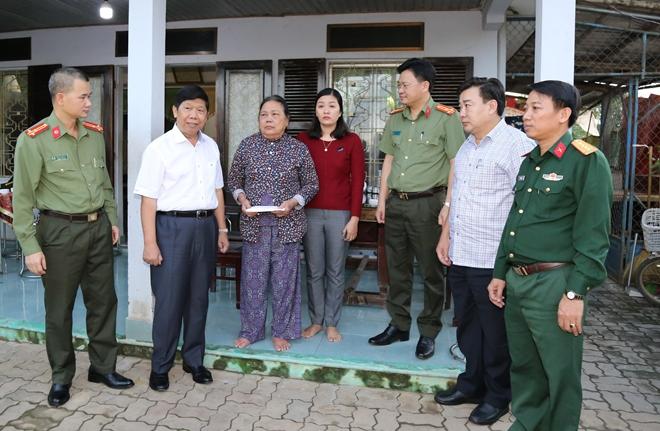Báo CAND và Tập đoàn Quốc tế Phượng Hoàng ủng hộ Công an tỉnh Thừa Thiên Huế - Ảnh minh hoạ 5