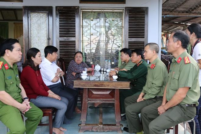 Báo CAND và Tập đoàn Quốc tế Phượng Hoàng ủng hộ Công an tỉnh Thừa Thiên Huế - Ảnh minh hoạ 4