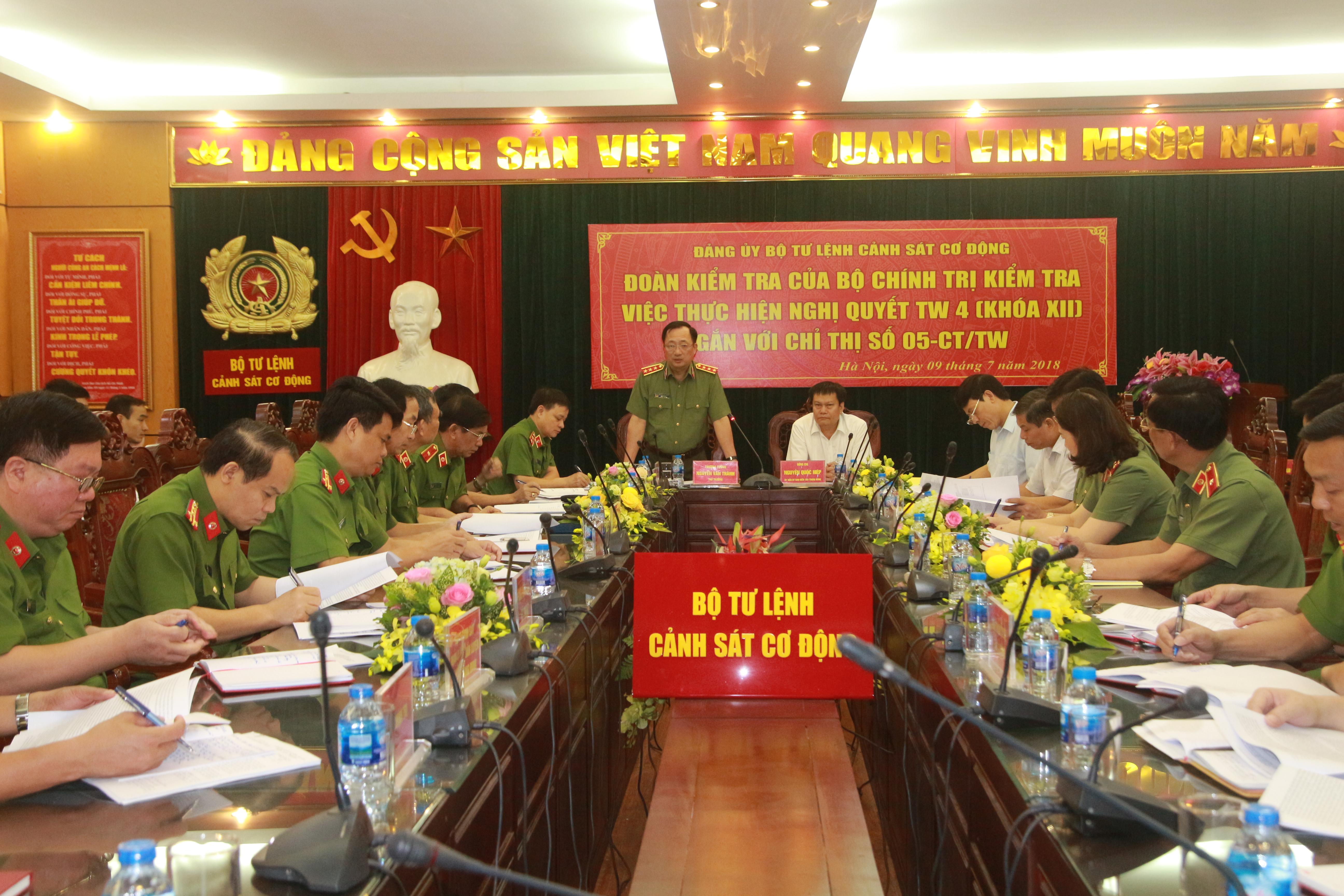 Đoàn kiểm tra Bộ Chính trị làm việc với Bộ Tư lệnh CSCĐ