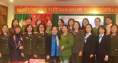Phát huy vai trò nòng cốt của các cấp Hội phụ nữ trong CAND