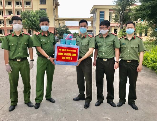 Tuổi trẻ Công an Thái Bình chung tay phòng chống dịch COVID-19 - Ảnh minh hoạ 2