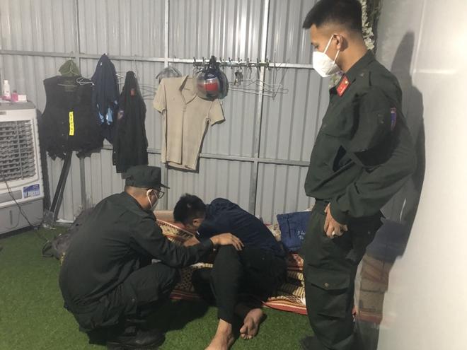 Liên tiếp mất cả 2 người thân, chiến sĩ CSCĐ không thể về chịu tang - Ảnh minh hoạ 2