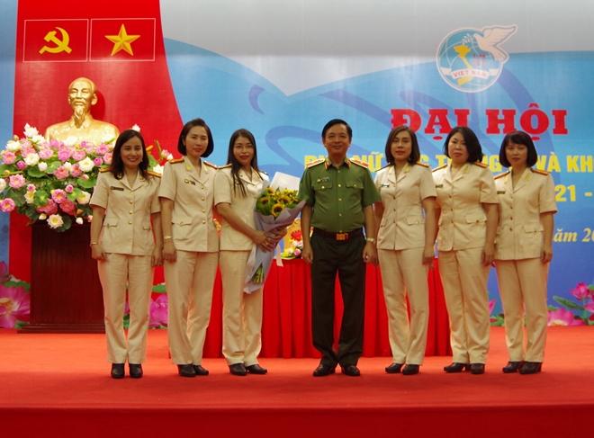Đại hội phụ nữ Cục Trang bị và kho vận