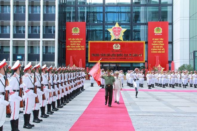 Lực lượng Trang bị và Kho vận CAND đón nhận Huân chương Quân công hạng Nhất