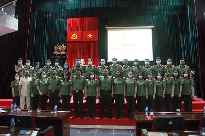 Đảng uỷ, lãnh đạo Cục Ngoại tuyến đối thoại với đoàn viên, hội viên - Ảnh minh hoạ 3