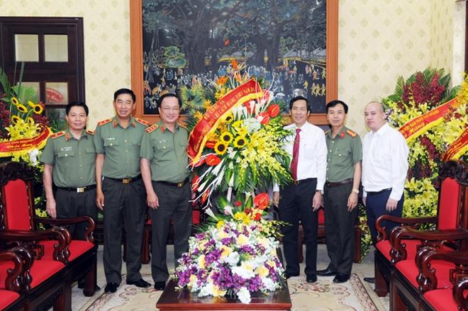 Lãnh đạo Bộ Công an  chúc mừng các cơ quan thông tấn, báo chí - Ảnh minh hoạ 8