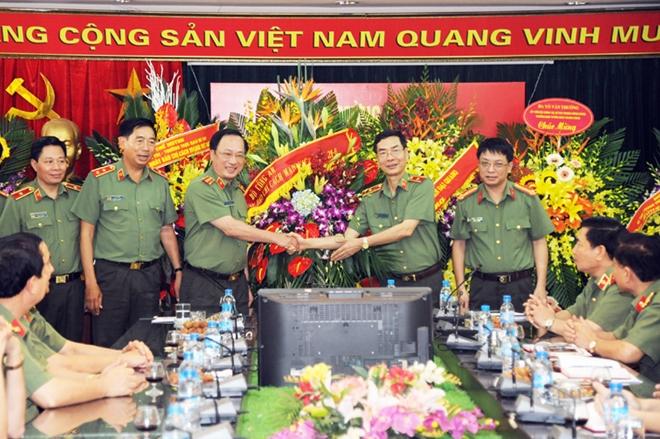 Lãnh đạo Bộ Công an  chúc mừng các cơ quan thông tấn, báo chí