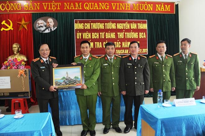 Thứ trưởng Nguyễn Văn Thành kiểm tra công tác tại Công an tỉnh Cao Bằng - Ảnh minh hoạ 4