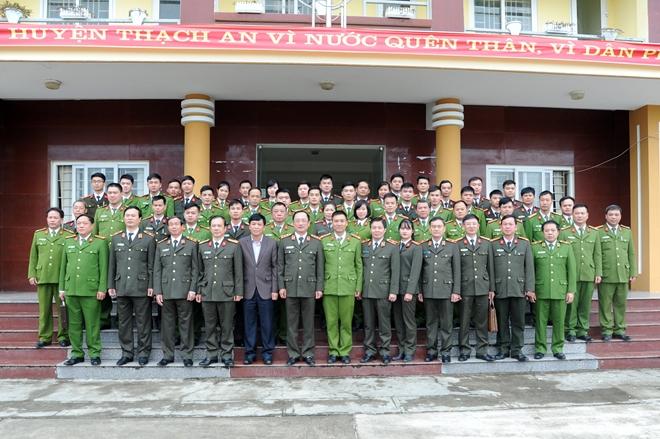 Thứ trưởng Nguyễn Văn Thành kiểm tra công tác tại Công an tỉnh Cao Bằng - Ảnh minh hoạ 6