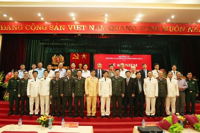 Nhiều hoạt động ý nghĩa nhân kỷ niệm Ngày Nhà giáo Việt Nam - Ảnh minh hoạ 4