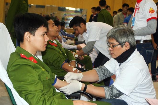 Sôi nổi Ngày hội hiến máu tuổi trẻ Trường Đại học PCCC