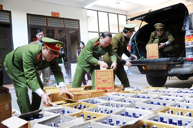 Công an Hà Giang mở đợt cao điểm tăng cường chống buôn, lậu  dịp Tết Nguyên đán Mậu Tuất 2018
