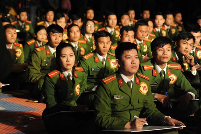 Sôi nổi đêm Chung kết Hội thi tìm hiểu Nghị quyết Trung ương 4, Chỉ thị 05 - Ảnh minh hoạ 7