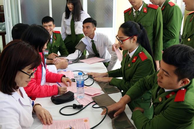 Tuổi trẻ Trường Trung cấp Cảnh sát vũ trang hiến máu tình nguyện - Ảnh minh hoạ 5