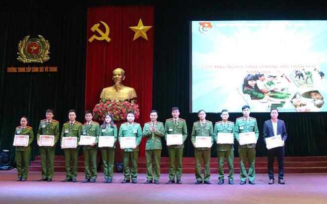 Tuổi trẻ Trường Trung cấp Cảnh sát vũ trang hiến máu tình nguyện - Ảnh minh hoạ 2
