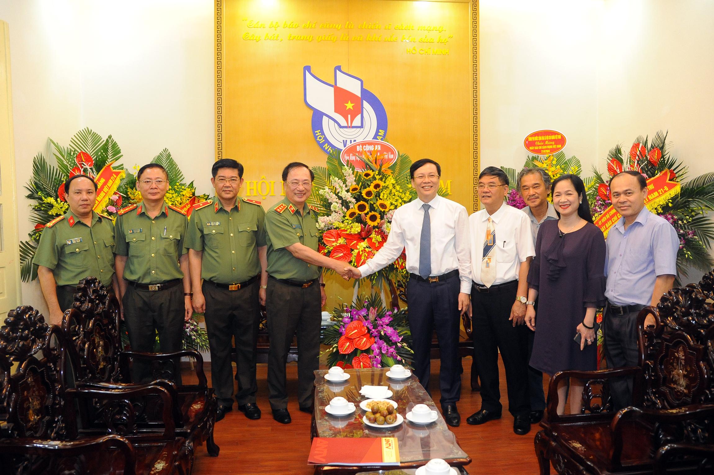 Thứ trưởng Nguyễn Văn Thành chúc mừng cơ quan thông tấn báo chí Trung ương