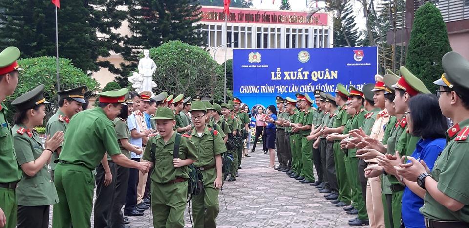 """Thiếu nhi tham gia """"Học làm chiến sỹ Công an"""" tại Cao Bằng"""