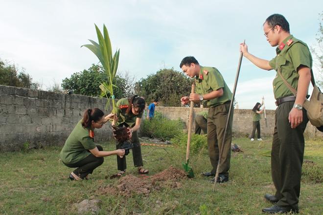 Nhiều hoạt động ý nghĩa của tuổi trẻ CAND trên đảo Thanh niên - Ảnh minh hoạ 3