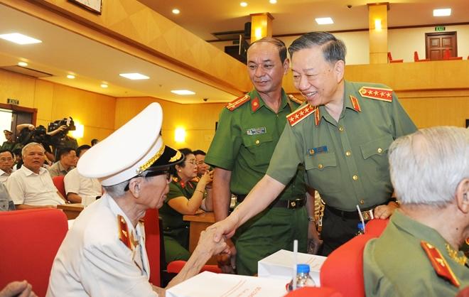 Bộ Công an gặp mặt truyền thống các thế hệ cán bộ lãnh đạo - Ảnh minh hoạ 7