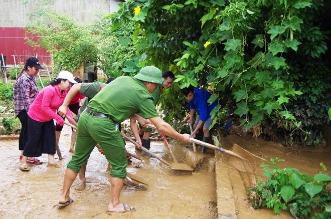 Công an tỉnh Hà Giang tăng cường giúp dân khắc phục hậu quả thiên tai - Ảnh minh hoạ 4