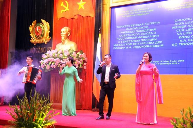 Vun đắp tình hữu nghị, hợp tác giữa Việt Nam và Liên bang Nga - Ảnh minh hoạ 5