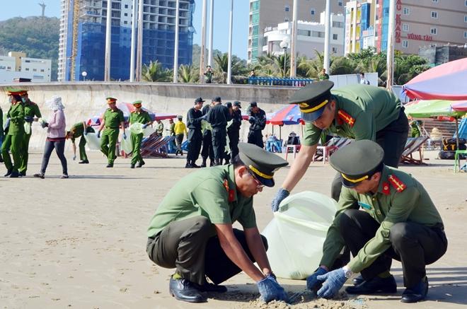 """Ra quân chiến dịch """"Hãy làm sạch biển - nói không với rác thải nhựa"""" - Ảnh minh hoạ 6"""