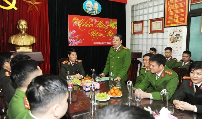 Thứ trưởng Bùi Văn Nam kiểm tra công tác tại Công an phường Cửa Nam - Ảnh minh hoạ 4