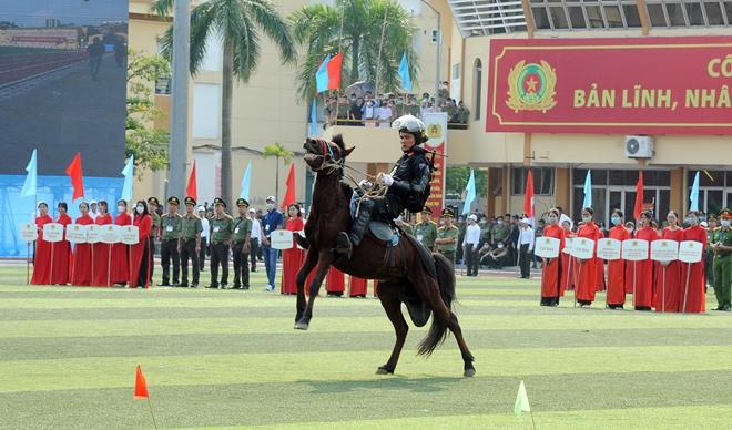 Bộ Công an tạm dừng một số hoạt động kỷ niệm Ngày Truyền thống CAND - Ảnh minh hoạ 7