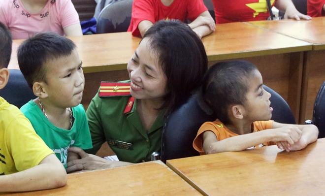 Mang Tết Trung thu đến với trẻ em khuyết tật - Ảnh minh hoạ 10
