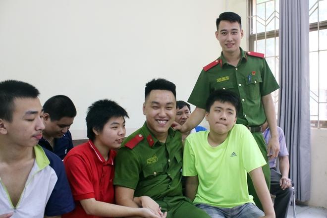 Mang Tết Trung thu đến với trẻ em khuyết tật - Ảnh minh hoạ 4