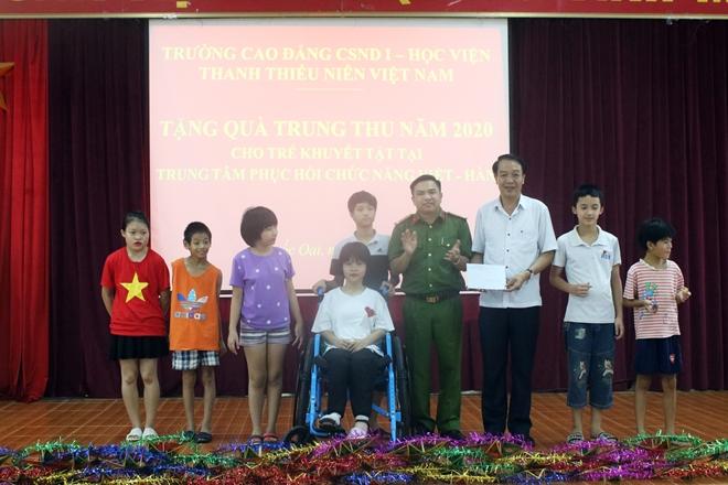Mang Tết Trung thu đến với trẻ em khuyết tật - Ảnh minh hoạ 7