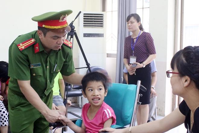 Mang Tết Trung thu đến với trẻ em khuyết tật - Ảnh minh hoạ 9