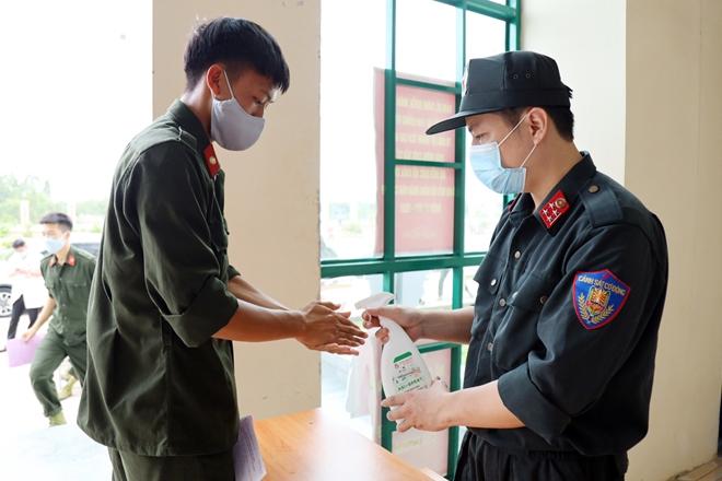 Tuổi trẻ CSCĐ tham gia hiến máu tình nguyện - Ảnh minh hoạ 2