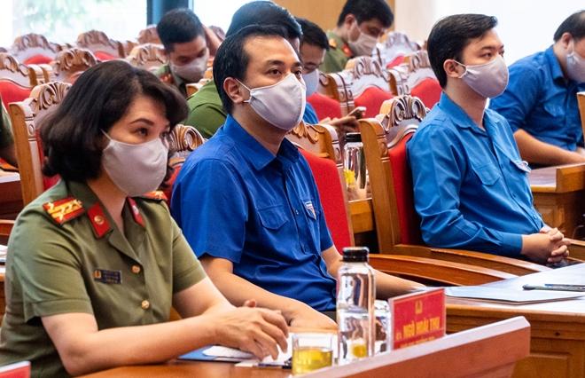 Tuổi trẻ CAND quyên góp, ủng hộ tuyến đầu phòng, chống dịch COVID-19