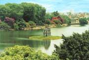 3_Hanoi_lake1040.jpg