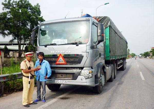 Nỗ lực bảo đảm an toàn giao thông trên quốc lộ 18 - ảnh 1