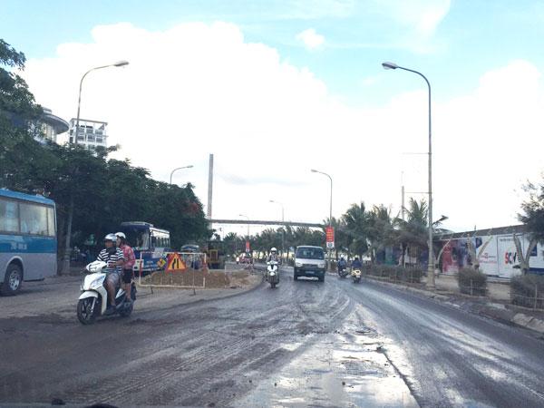 Xe cơi nới chở quá khổ, quá tải vẫn hoành hành ở Quảng Ninh - ảnh 1