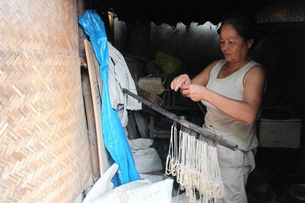 Người đàn bà hơn 40 năm vớt xác trên sông Hồng - ảnh 4