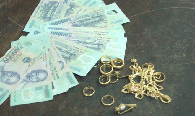 Hàng xóm đột nhập trộm 4 cây vàng và hơn 30 triệu đồng | Báo Công an nhân  dân điện tử